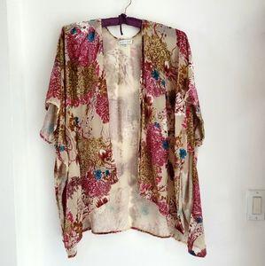 Women's flocked shawl, top, open sides, size 0ne